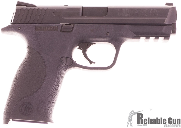 Picture of Used Smith and Wesson M&P40 Semi Auto Pistol, 40 S&W, 2 Magazines, Original Box. Excellent Condition
